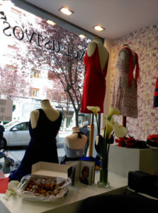 Primer Aniversario de Exclusivos Moda en la Calle Gorbea: Tu ropa